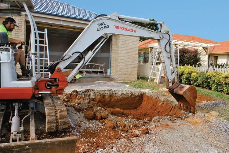 Digging Hole - LU3000 Lattice Tank Under Driveway Installation