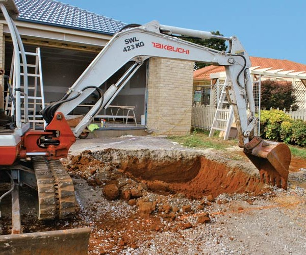 digging-hole-for-underground-water-tank