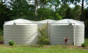 5000 gallon r22700 litre round rural water tanks bank of three